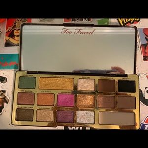 Too faced pallet